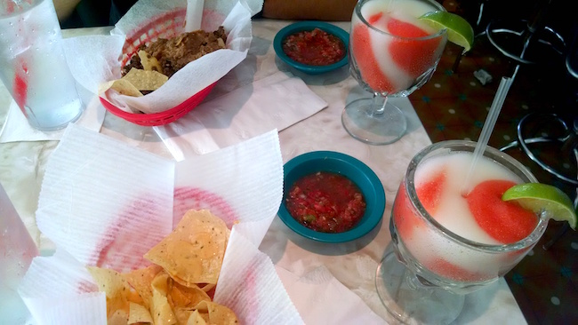 chuys-happy-hour-nachos