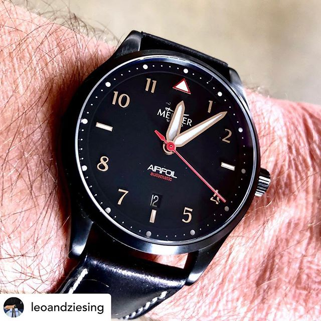 """@leoandziesing Happy Flieger Friday! Sporting our Mercer Airfoil today. The Black dial variant is gone, but the folks at Mercer Watch Co. are offering a 15% disount on the vanilla dial Airfoil. Today only. Use discount code """"fliegerfriday"""" #friday #flieger #fliegerfriday #fliegeruhr #fliegerwatch #fliegeruhren #wristcheck #watchuseek #theurbangentry #theurbangentrychannel #theurbangentrywatchclub #fratellowatches #ablogtowatch #gearpatrol"""
