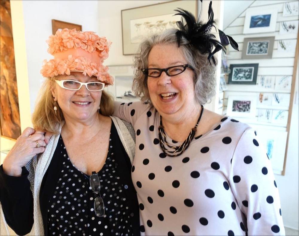 Painter Dawn Davies and bead jeweller Leslie DeAthe