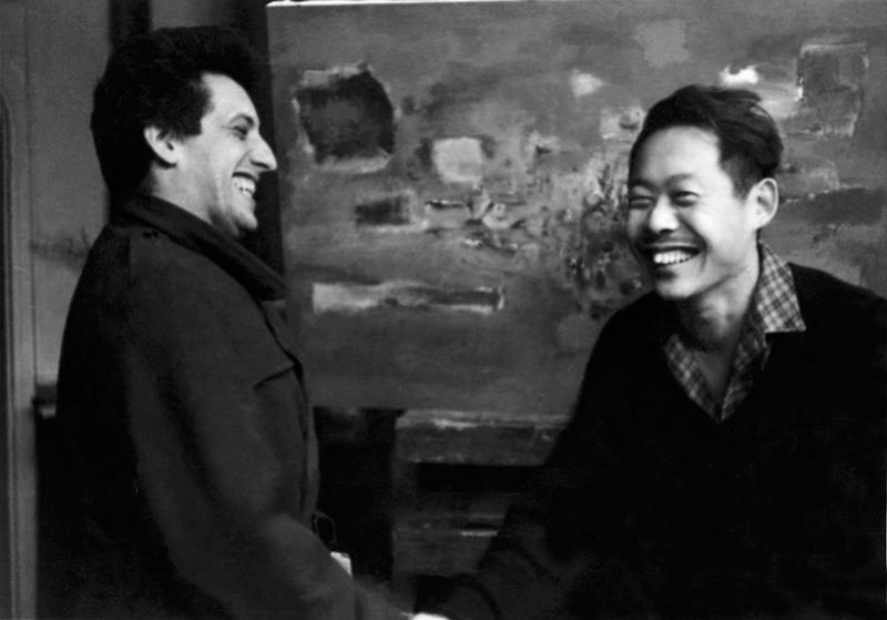 Avec Jean-Paul Riopelle devant Foudre, 1955. Droits réservés