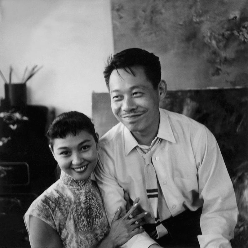 Avec sa deuxième épouse May à Hong Kong, 1958. Droits réservés