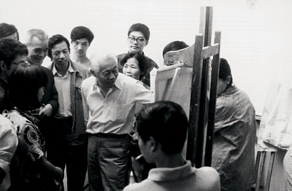 Pendant un cours à l'École des beaux-arts de Hangzhou, 1985. Droits réservés