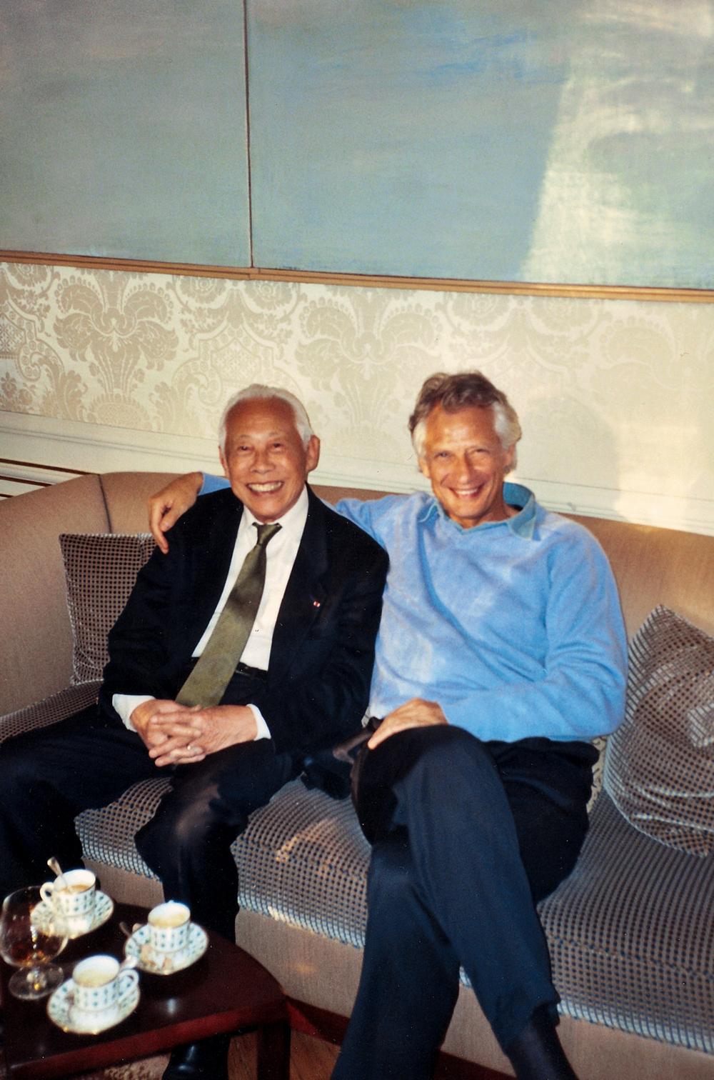 Avec Dominique de Villepin à l'Hôtel Matignon, 2005. Droits réservés