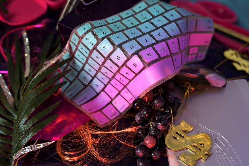 camgirl-gift-photo-essay-857-1452716125-size_1000.jpg
