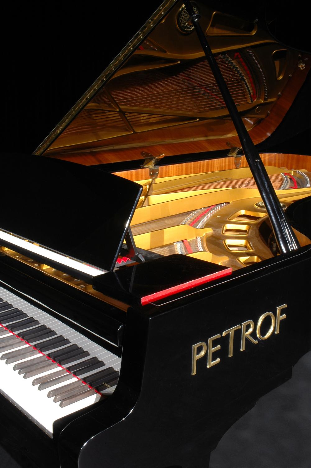 Petrof 06.jpg