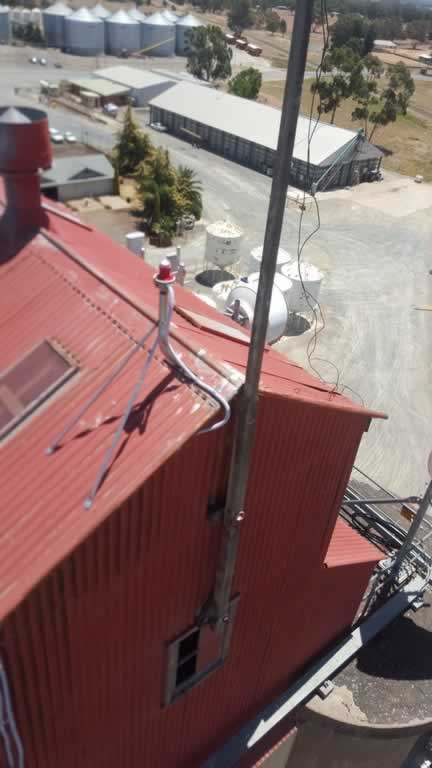 Birds eye vie of the top of this silo. How did they take this photo ...