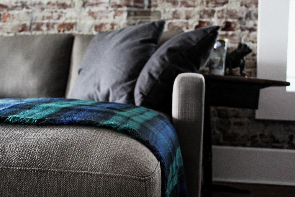 Couch blanket scarf-033Floydsbutt.jpg