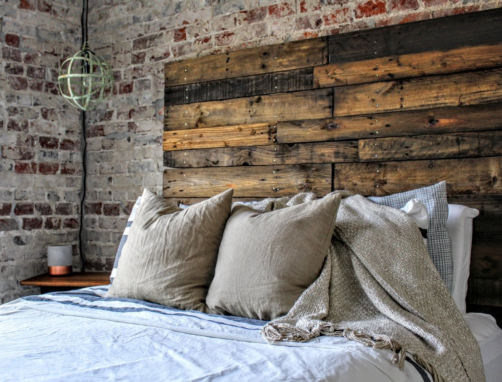 PALLET HEADBOARD - easy diy instructions