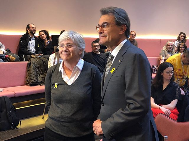 We are delighted to welcome @artur_mas and #ClaraPonsati to The University of Edinburgh. The talk with #ArturMas is #LIVE on our Facebook page. #catalonia #politics #Edinburgh #edinburghuniversity #EPU #EPUevent #Spain #politicians