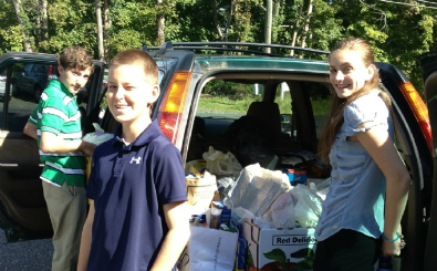 Preparing for Redding Food Pantry delivery
