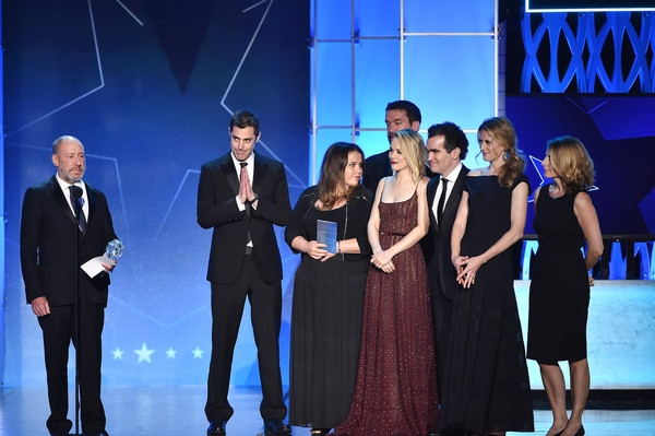 THE SPOTLIGHT TEAM ACCEPTING THEIR BEST FILM AWARD AT THE CRITICS CHOICE AWARDS / Photo COURTESY KEVIN WINTER/GETTY IMAGES