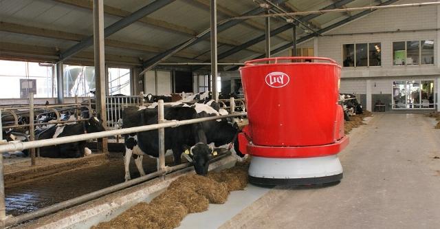 dairy-farm-2811895_960_720.jpg