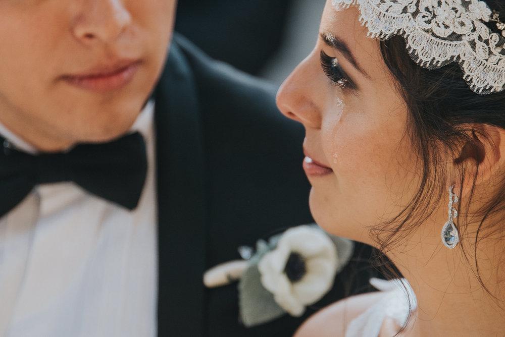 Fernanda-Antonio-WedHL-200.jpg