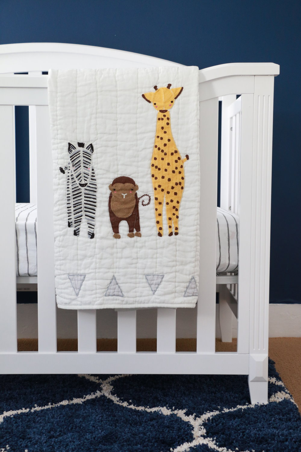Anthony-and-Stork_jungle_animals_baby_nursery_2962.jpg