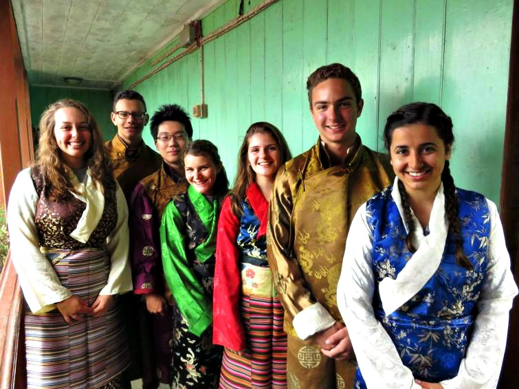 Nejeda counselor, Jack Aiello, with his fellow Princeton University students during his service and learning project in India.