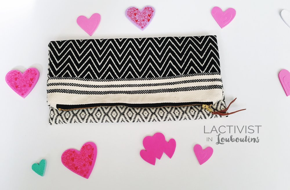 Reversible clutch by Tribe Alive