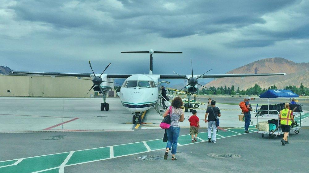 Alaska Q400 hires.jpg