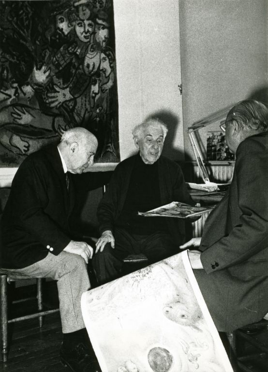 Marc Chagall and Charles Sorlier discussing printmaking