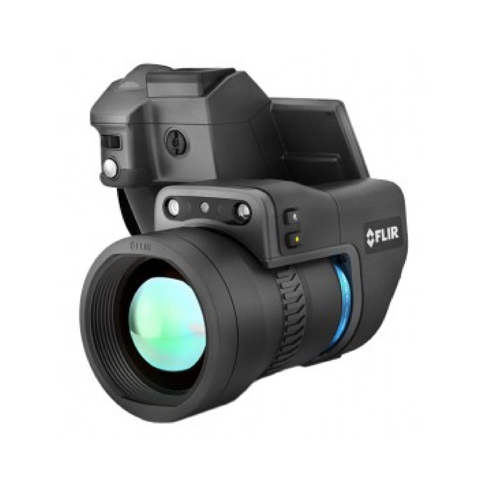 The FLIR T1020 (T1K) is the highest definition handheld camera, with the measurement performance and image clarity like no other camera. The FLIR T1020 has a resolution of 1024 x 768 (768,432 pixels) providing crisp looking images with the help of FLIR vision processing. The T1020 is the perfect camera for those bigger projects or applications such as the production of film and videos