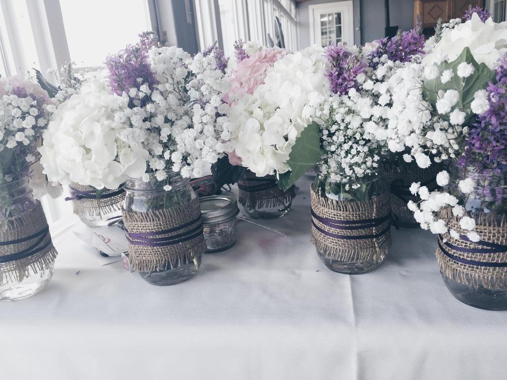 rustic_hydrangea_babies_breath_wild_flower_center_pieces_2.jpg
