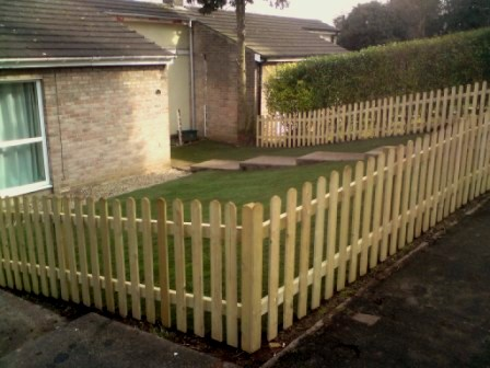 Garden fencing york 6 small.jpg