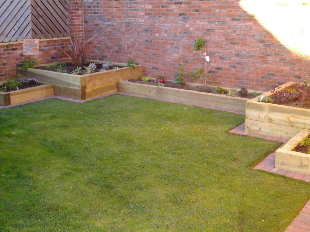 Patio Pagola raised beds york 4.JPG