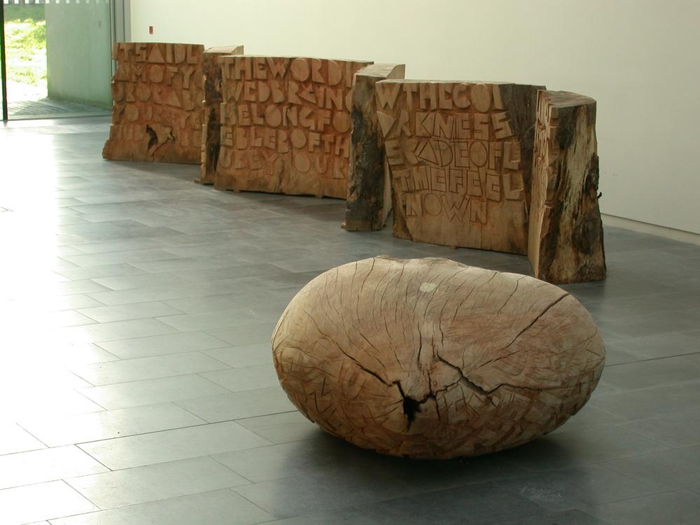 BOOK  og  HEART.   SCRIPTORIUM  blev udstillet første gang i Offaly County Gallery, Tullamore, Irland, 2006.