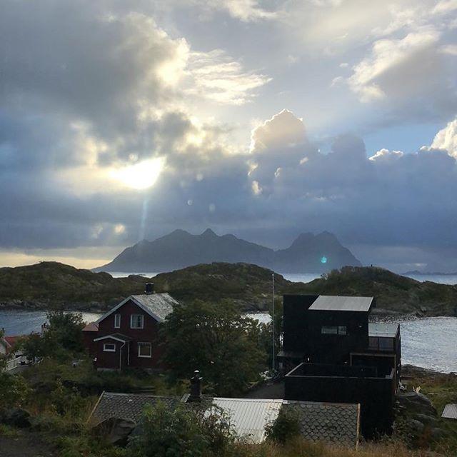 På plass i Svolvær - arbeidsopphold i Kunstnerhuset i Lofoten. #theaandenæs