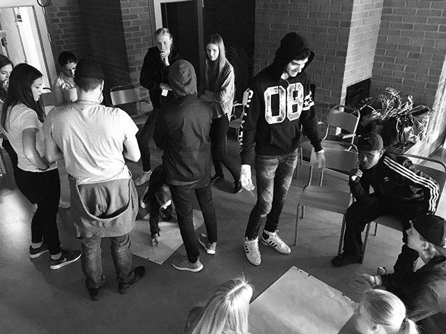 Dagens utbildning i kreativitet och idéprocesser för sommarjobbare från Stockholm stad. Imorgon kör vi day 2! 🔥🔥🔥 #youngentrepreneurs #changemakers #future #changershub #stockholm #stockholmstad