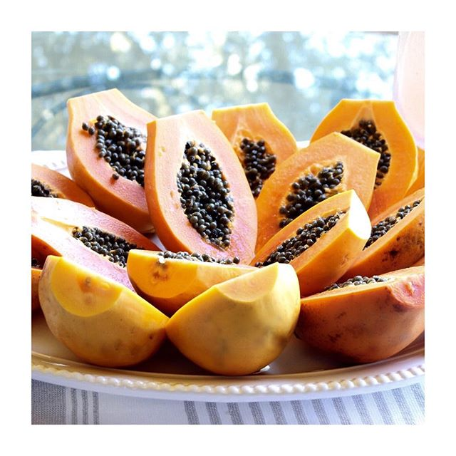 Enjoying Papaya for breakfast 😋. I used to not like papaya growing up, but now it has become one of my favorite fruits. It's so good for you!  It's especially good for your digestion and for those suffering with Gerd, colitis, or any type of inflammation.  Papaya is rich in vitamins • antioxidants • enzymes and minerals among many. It's food  that loves you back! 🍑 My favorite way to eat it is papaya as boats. I remove the seeds and pour fresh fruit, dates and banana ice cream.  Yumm. 🍑😋 Hope everyone is having a beautiful day!