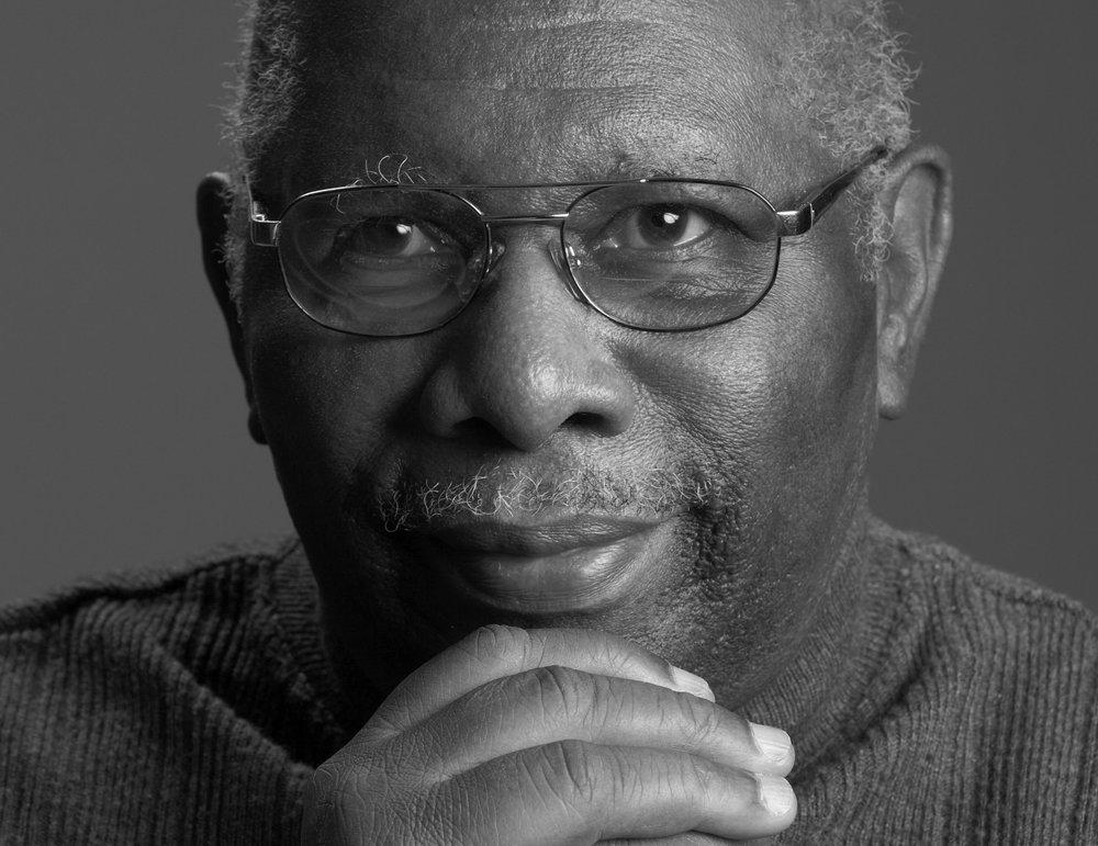 - « C'est avec grand plaisir que j'accepte de parrainer et d'être porte parole de I'Orchestre de jazz des jeunes de Montréal. J'ai Ia conviction que ce projet est un investissement indispensable pour le développement de nos jeunes artistes de jazz et qu'il contribuera àrendre cette musique plus familière auprès de tous les citoyens de Ia ville. » – Oliver Jones