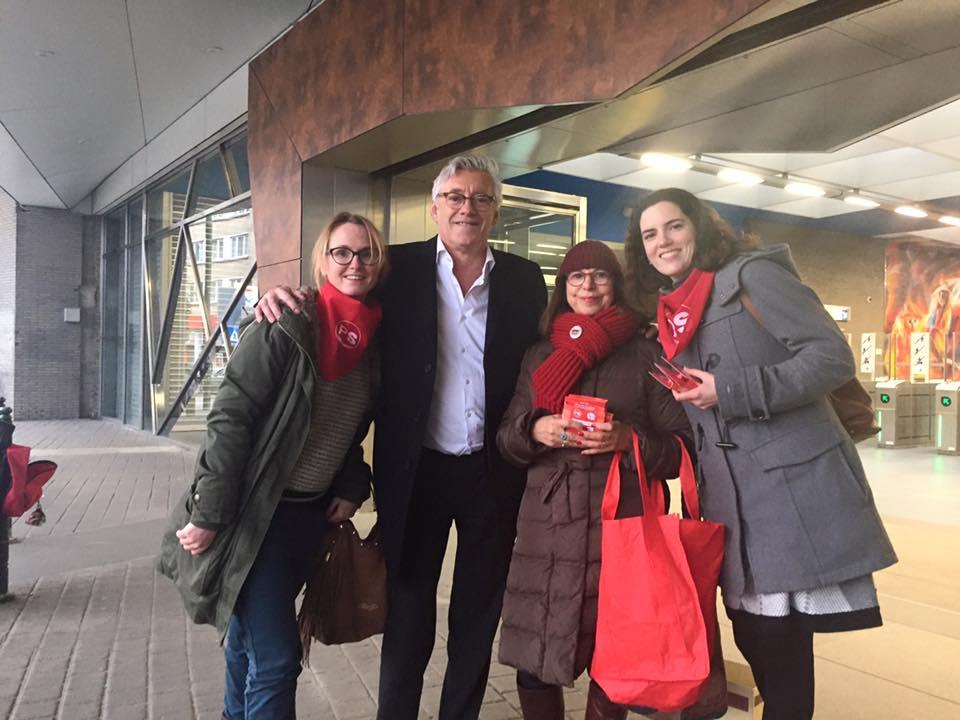 Jimmy JAMAR, notre président, entouré de Valérie, Liliane et Vanessa