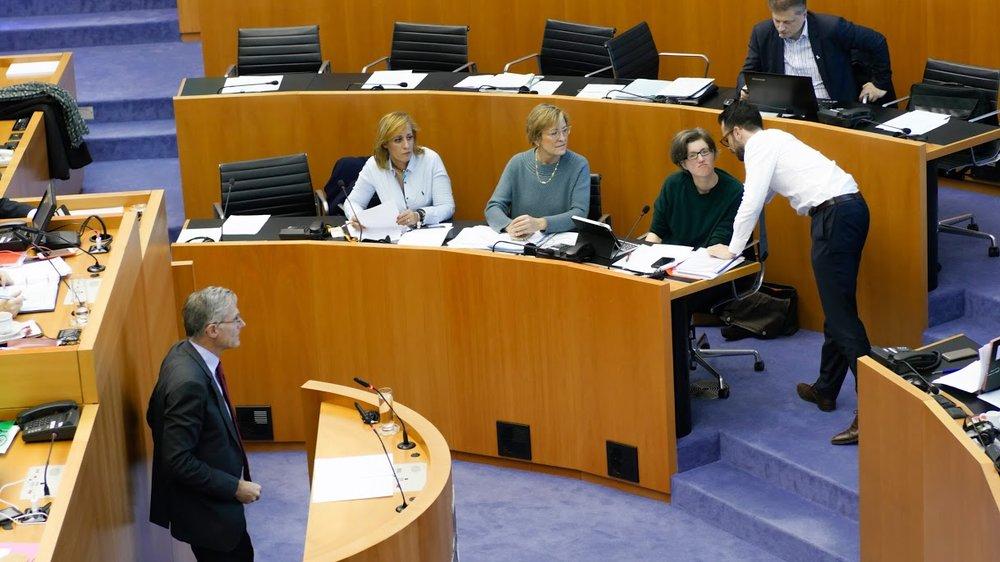 parlement 1.jpg