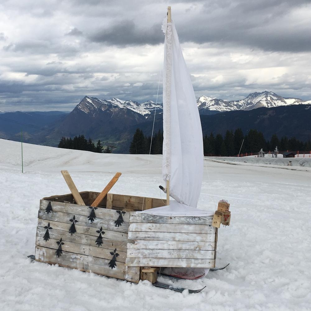 I am sailing (skiing)...