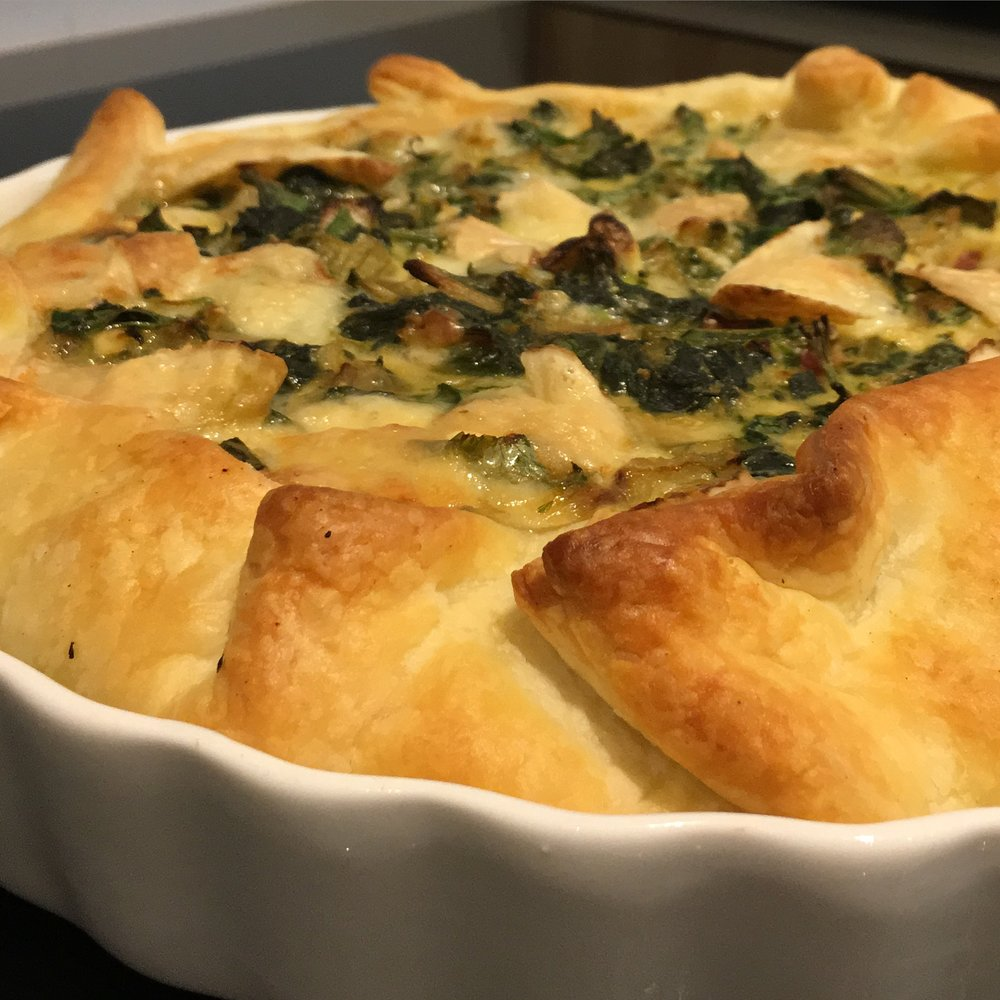 Potager pie.  Green stuff, eggs & cheese.  Yumm.