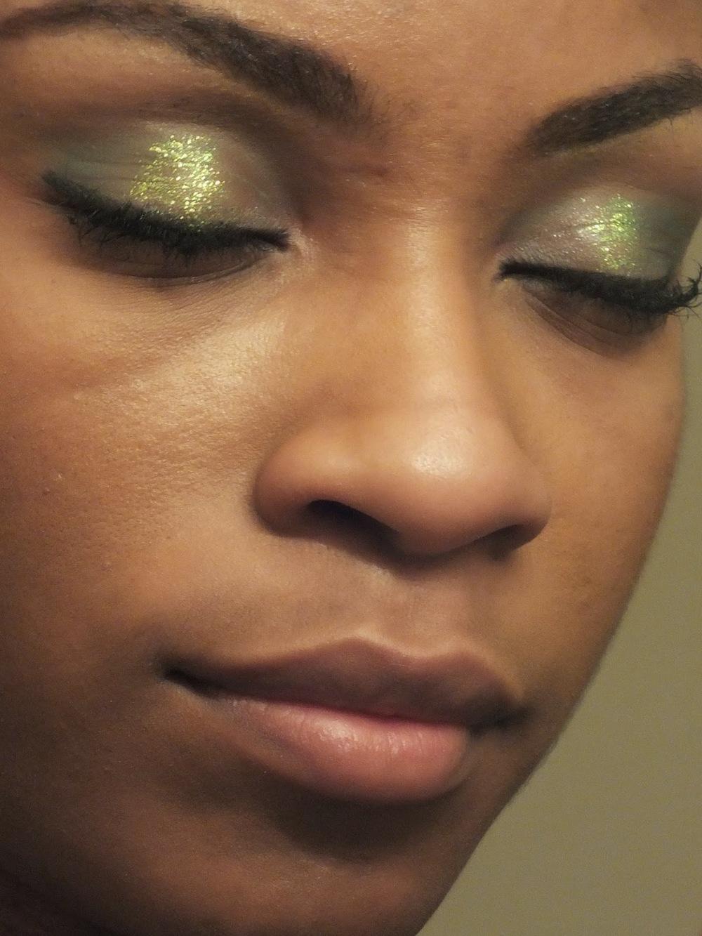 green+shimmer+eyeshadow.JPG