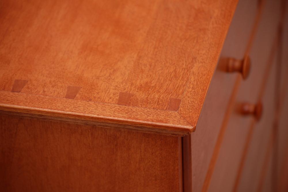 74-Dresser-001.JPG