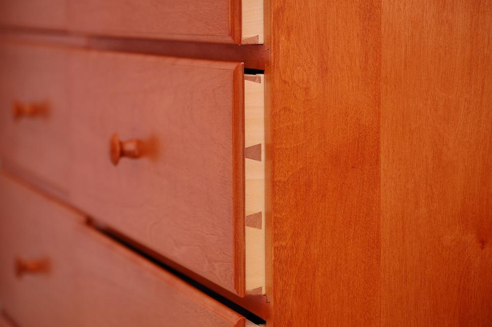 75-Dresser-002.JPG