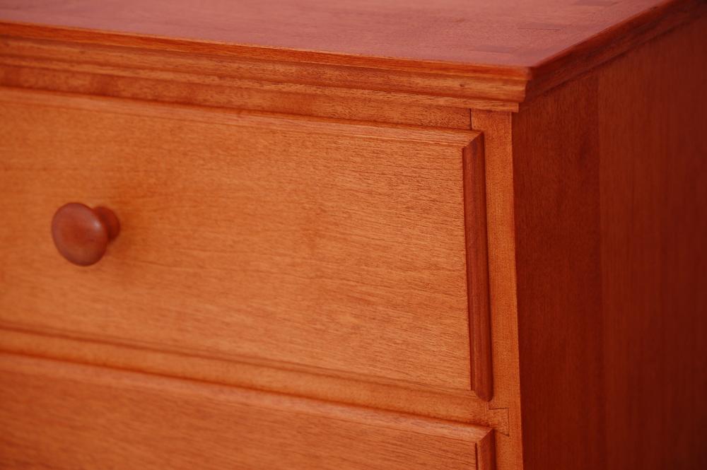 77-Dresser-004.JPG