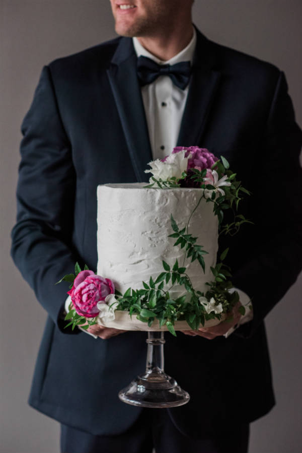 Styled Photoshoot Berry Toned Cake Flowers