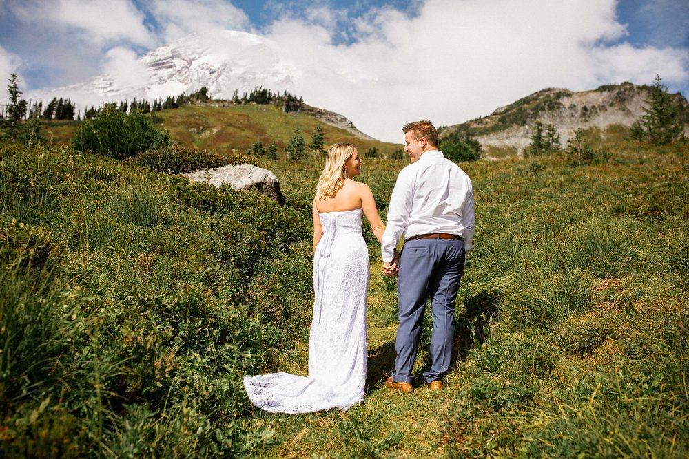 Ashley&Josh-Sneak Peek!BLOG-20.jpg