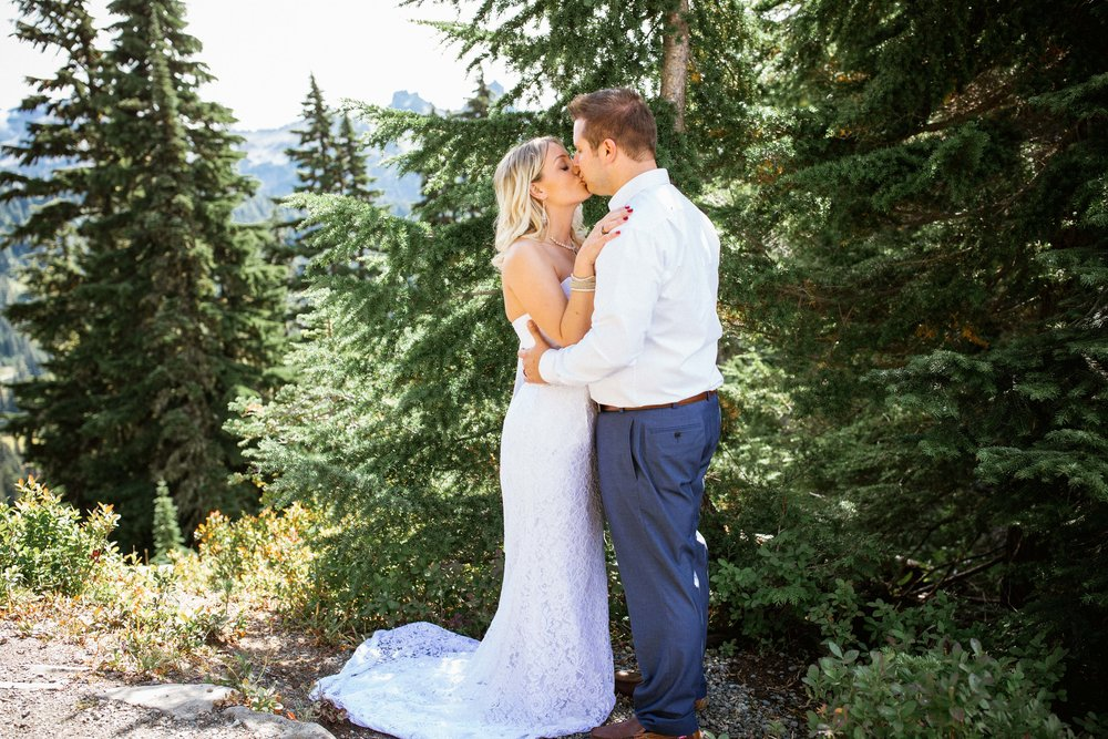 Ashley&Josh-Sneak Peek!BLOG-26.jpg
