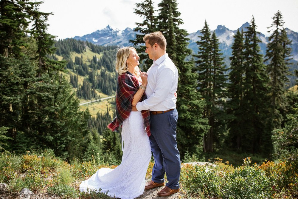 Ashley&Josh-Sneak Peek!BLOG-36.jpg