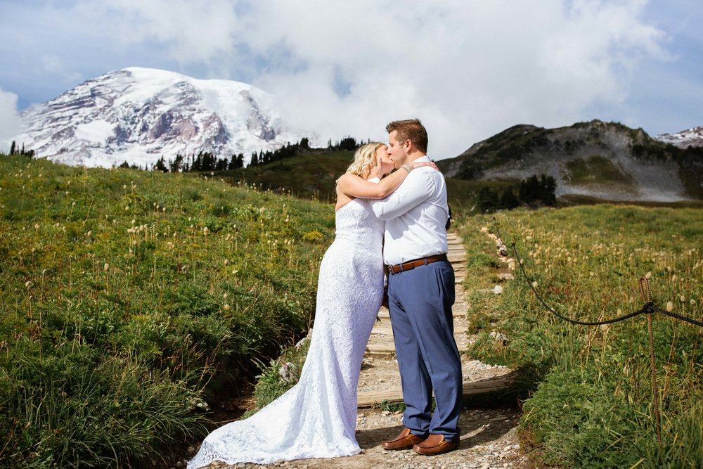 Ashley&Josh-Sneak Peek!BLOG-65.jpg