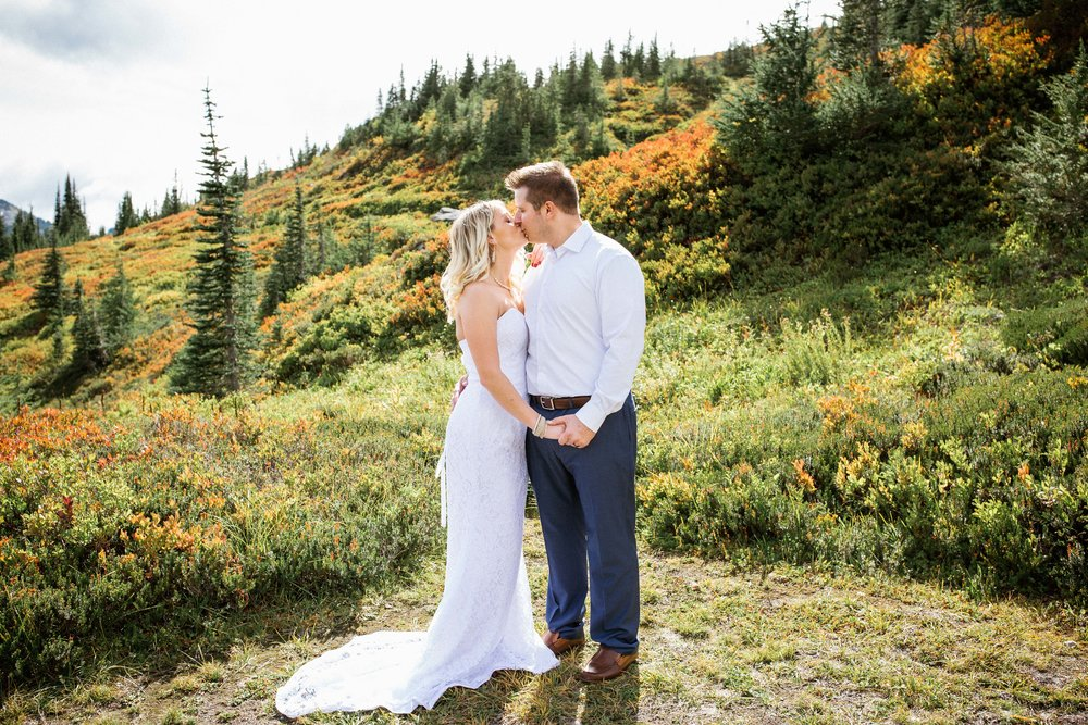 Ashley&Josh-Sneak Peek!BLOG-71.jpg
