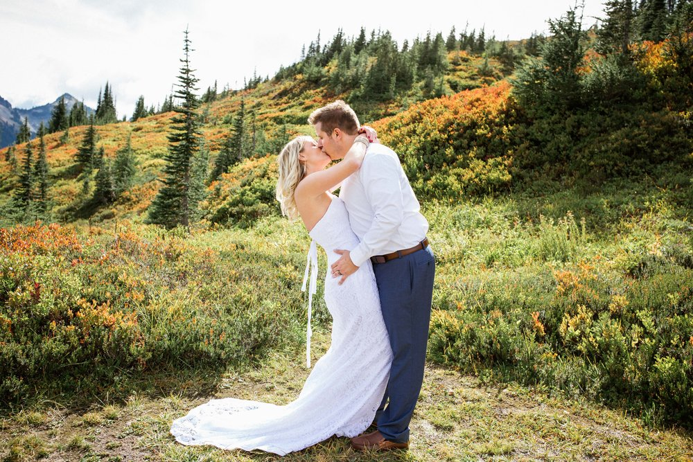 Ashley&Josh-Sneak Peek!BLOG-73.jpg