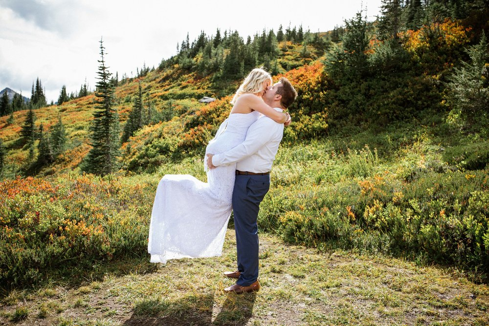 Ashley&Josh-Sneak Peek!BLOG-75.jpg