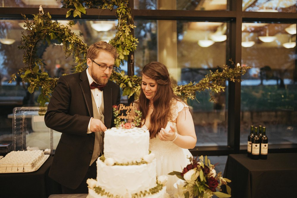 Brooke&Andrew-SneakPeekBLOG-109.jpg