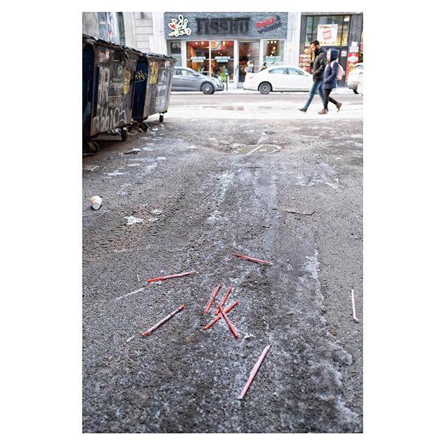 The Straw I . Discardedphotography.com/blog .  #fujifilm #xt2 #xseries #fujifilm_street #fujifeed #fujifilmNordic #fujilov #lensculture #spicollective #streetlife #streetdreamsmag #streetleaks #ourstreets_ #streetlife_award #lensculturestreet #street #streetphotography #spjstreets #challengerstreets #capturestreets #discarded