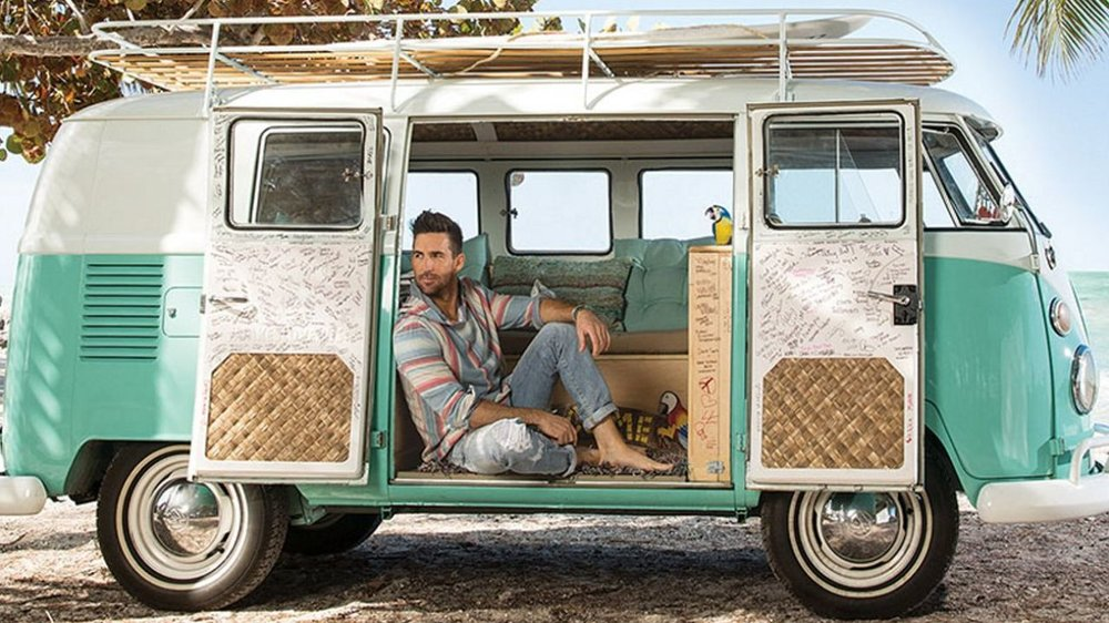 jake-owen-vw-love-bus